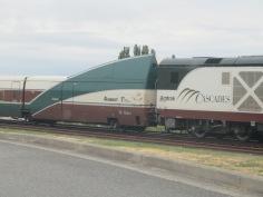Amtrak Cascades at border